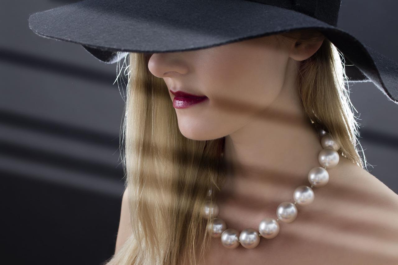 collier de perles avec perles de gros diamètre
